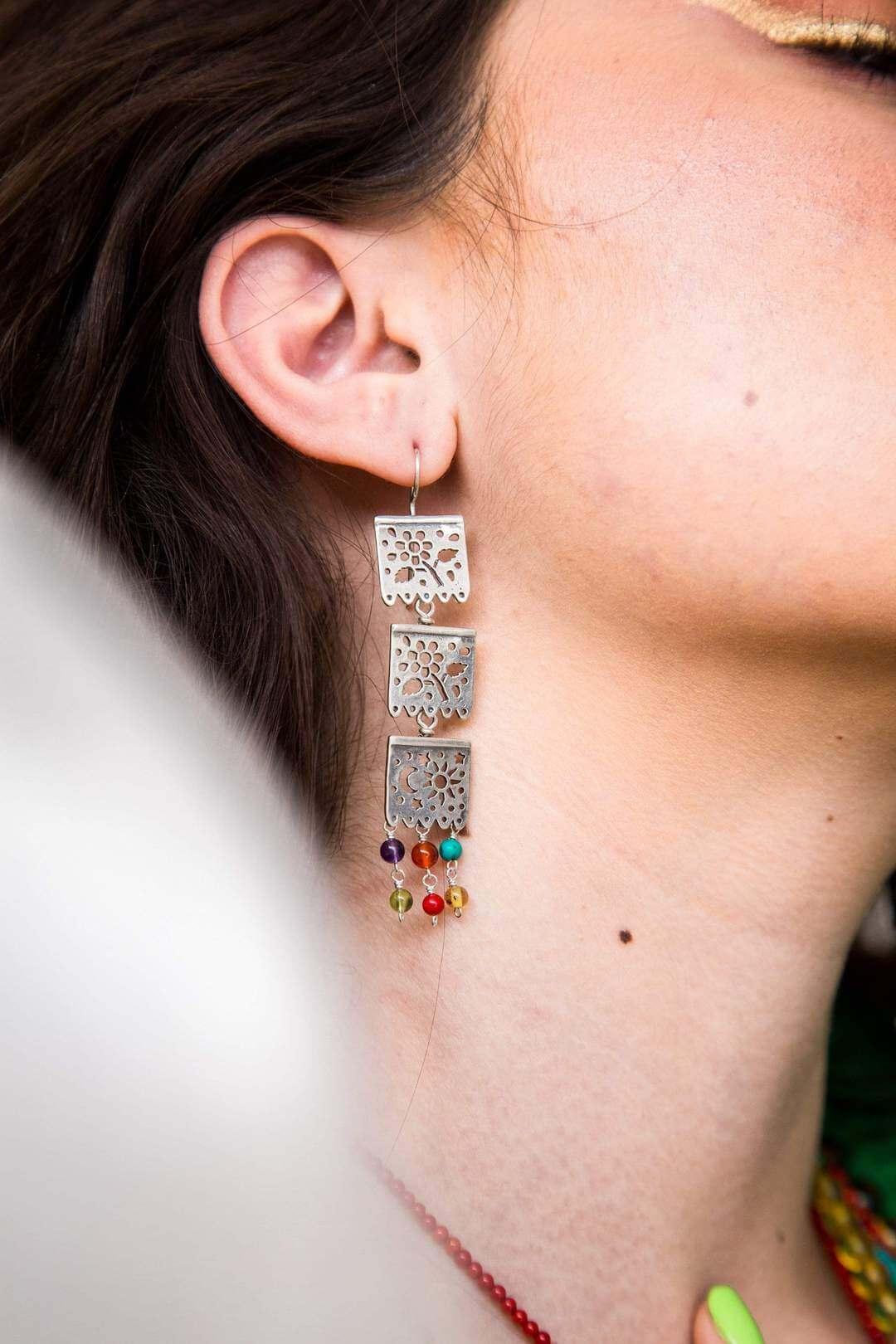 joyas mexicanas gabriela sanchez aretes tres papel picado de colores aretes gabriela sanchez