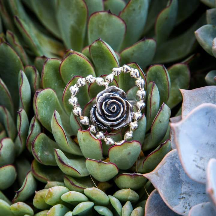 joyas mexicanas gabriela sanchez anillo guia de corazon con rosa anillo gabriela sanchez